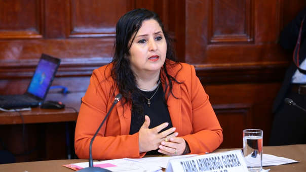 La congresista de Fuerza Popular es crítica del enfoque de género en el Currículo Escolar.