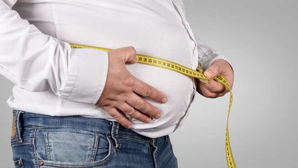La salchipapa eleva el peso corporal considerablemente. Esta condición conlleva enfermedades crónicas.