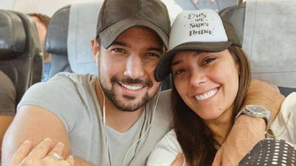 Karen Schwarz envía emotivo mensaje a Ezio Oliva por los tres años que cumplen como esposos.