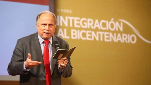 Fernando Carvallo presentó las conclusiones del foro.