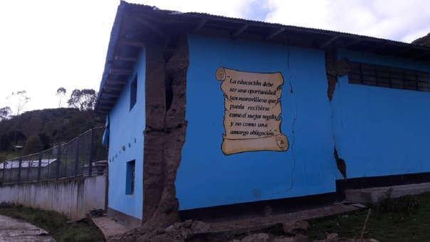 Colegios con daños tras terremoto