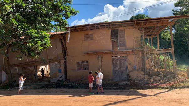 Según el datos del COEN, más de 350 viviendas quedaron inhabitables tras el terremoto de 8.0 de magnitud.