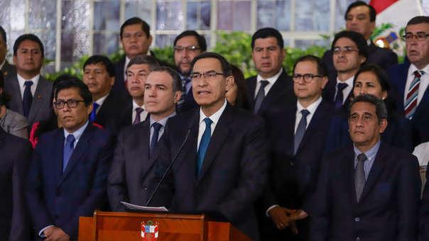 El presidente de la República, Martín Vizcarra estuvo acompañado del Gabinete Ministerial y presidentes regionales, durante el mensaje a la Nación.