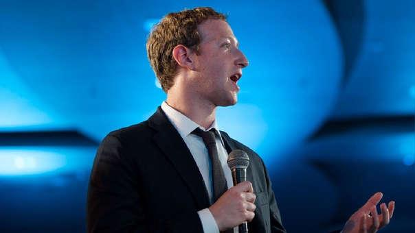 Mark Zuckerberg no puede descansar, aún tras el intento de removerlo de la presidencia de Facebook.