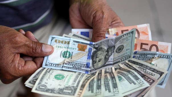 En los 12 últimos meses del año, la moneda extranjera acumula un alza de 2.24%.