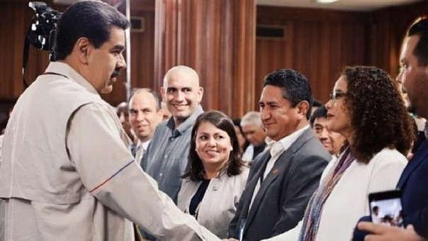 Vladimir Cerrón durante su encuentro con el presidente venezolano, Nicolás Maduro.