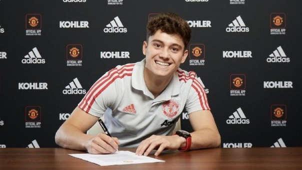 Manchester United hizo oficial el fichaje del extremo Daniel James