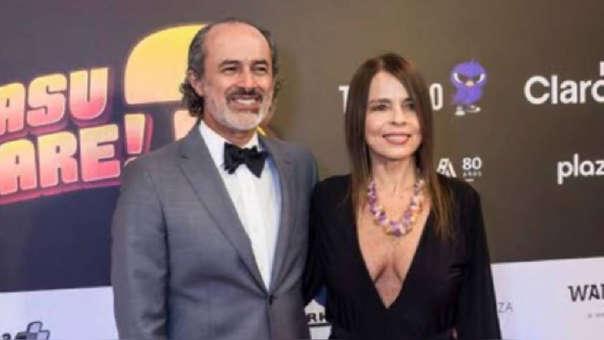 Carlos Alcántara recordó el embarazo de su esposa Jossie Lindley.
