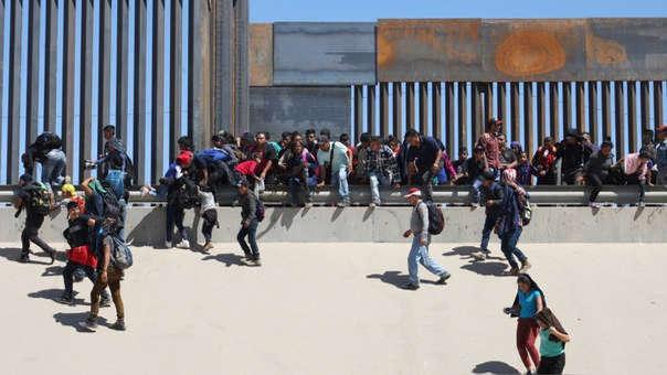 Migrantes en frontera de México-EE.UU