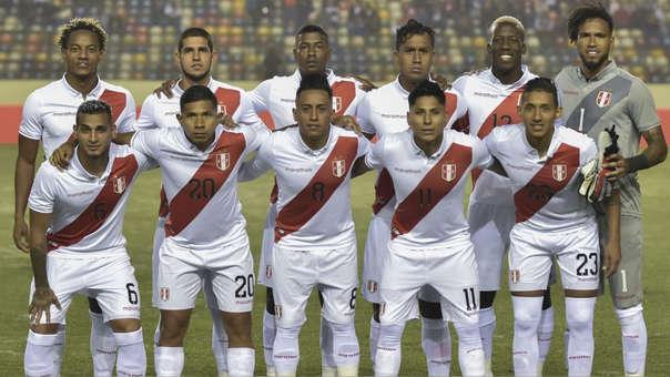 La Selección Peruana previo al inicio del duelo ante Costa Rica del pasado miércoles 5 de junio.