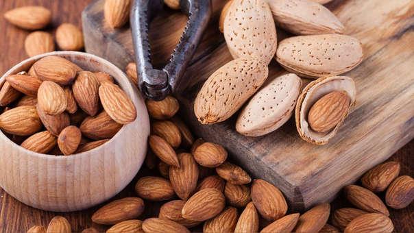 Las almendras es uno de los frutos secos más nutritivos, saludables y consumidos del mundo
