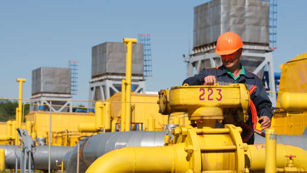La extracción de gas natural da a Bolivia sus mayores ingresos fiscales, con Brasil y Argentina como sus mercados principales.