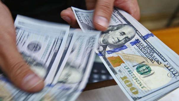 La moneda en los últimos 12 meses el dólar se ha apreciado en 0.55 por ciento.