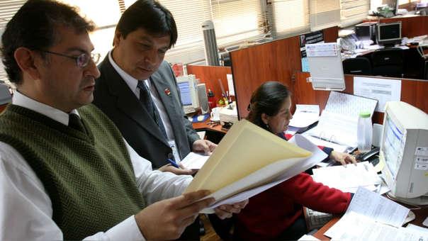 El monto del Aguinaldo por Navidad que se otorga a los funcionarios, servidores, obreros, personal sujeto a Carreras reguladas por Leyes específicas.