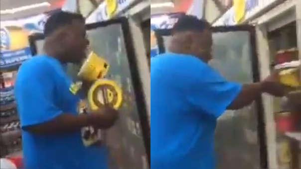 El video muestra al hombre abrir el pote de helado y lamerlo, para  luego devolverlo al congelador.