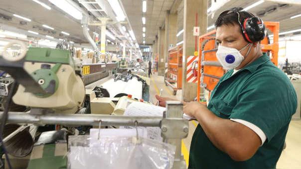 Los días declarados como no laborables no generan pagos adicionales por trabajar esos días. El pago es como cualquier día laborado, afirma Alache.
