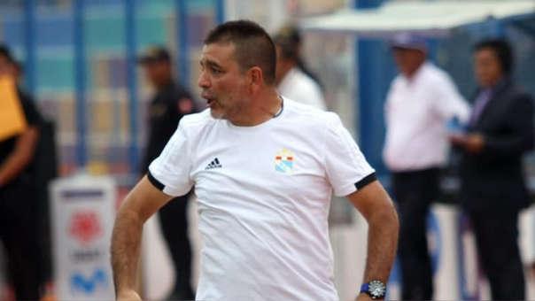 Claudio Vivas pensando en Alianza: