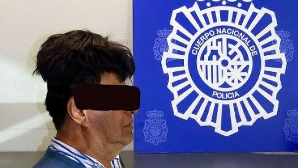 El hombre llevaba medio kilo de cocaína bajo su peluca.