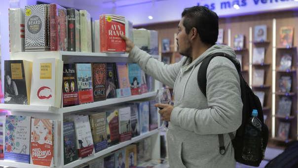 La Cámara Peruana del Libro considera que la expiración del beneficio tributario que otorga la Ley del Libro en octubre próximo, significará alejar más los libros de la población.