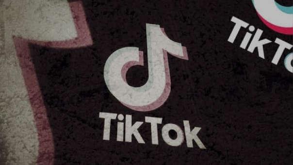 TikTok trabaja en su propio teléfono