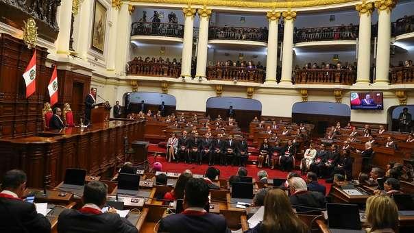 El presidente anunció una propuesta de reforma constitucional.