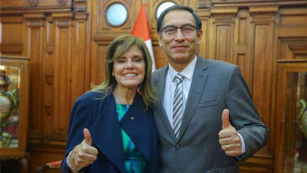 Mercedes Aráoz y Martín Vizcarra cuando eran vicepresidentes de Pedro Pablo Kuczynski.