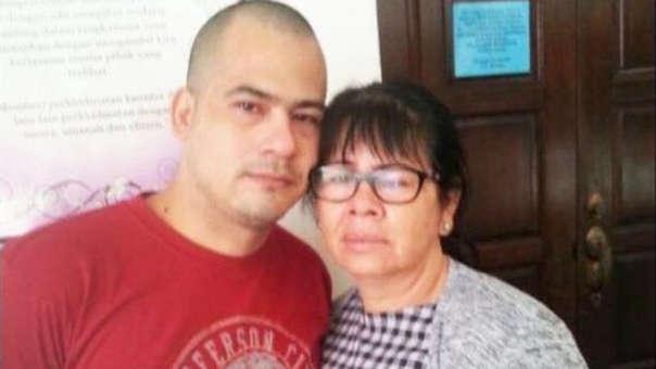 Víctor Parada y su madre