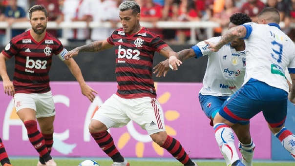 Miguel Trauco jugó dos años y medio en Flamengo