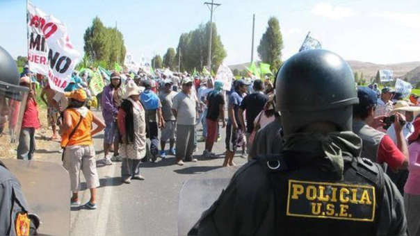 Pobladores de Islay encabezan protestas contra la licencia otorgada al proyecto minero Tía María.