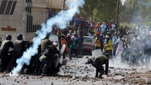 Actos de vandalismo se registraron en el primer día de paro indefinido contra el proyecto Tía María en Arequipa, este lunes.