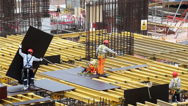 """A principios de agosto, el ministro de Economía, Carlos Oliva, sostuvo que el crecimiento económico de junio """"va estar por encima del 2%, incluso por encima del 2.5%""""."""