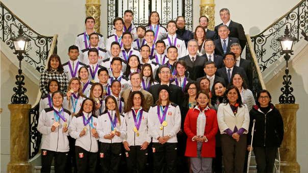 Los medallistas visitaron Palacio de Gobierno