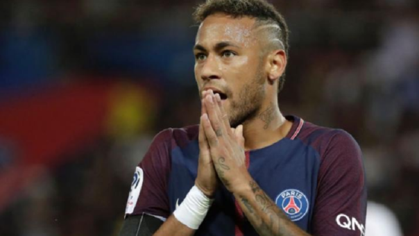 Neymar comunicó al vestuario del Barcelona su ilusión de llegar al club