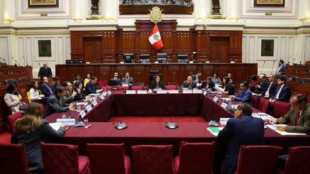 Rosa Bartra (Fuerza Popular) preside la Comisión de Constitución.