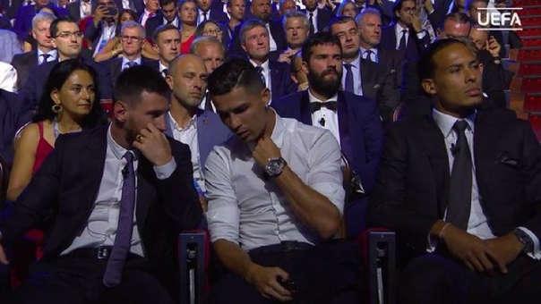 Lionel Messi y Cristiano Ronaldo conversando en la gala de UEFA