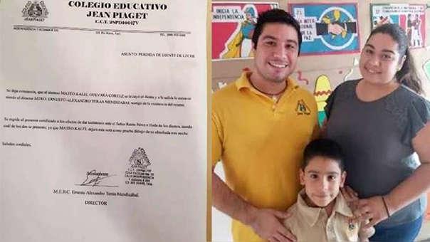 Mateo Kalel se muestra junto a sus padres luego de que recibiera un premio del