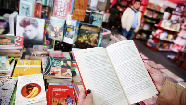 Es también significativo el aumento, año a año, de asistentes a la FIL LIMA —habiendo llegado a 586,900 asistentes en 2019—, la desconcentración de la producción editorial en el país, la aparición de ferias del libro y nuevas librerías durante los últimos años.