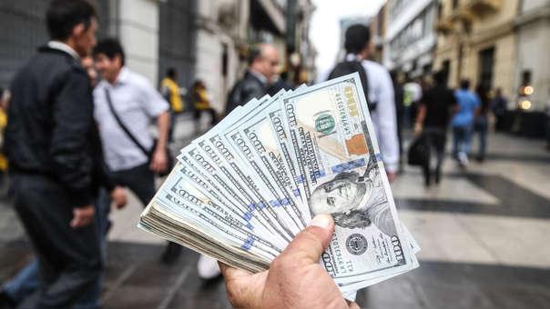 Los signos de progreso en las relaciones comerciales entre Estados Unidos y China han calmado a los mercados hace que algunas monedas operen levemente al alza.