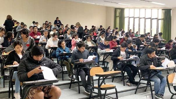 Este domingo, rindieron examen de admisión los postulantes a las carreras de Ingeniería y de Humanidades y Ciencias Jurídicas.