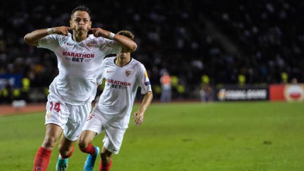 El golazo de 'Chicharito' Hernández en su debut con el Sevilla en la Europa League