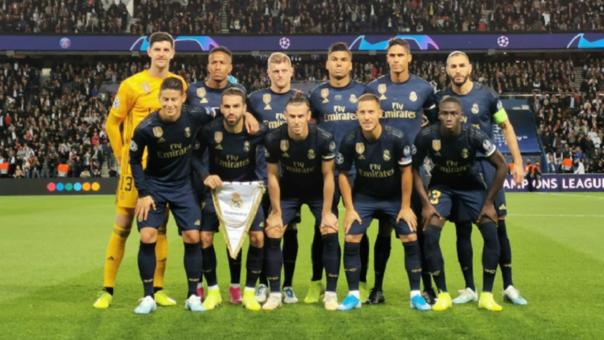 Jugador de Real Madrid se toma foto sonriente con Kylian Mabappé tras la derrota ante PSG