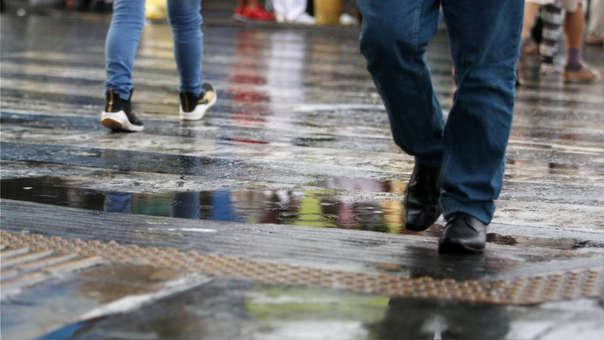 Lluvia ligera sobre Lima