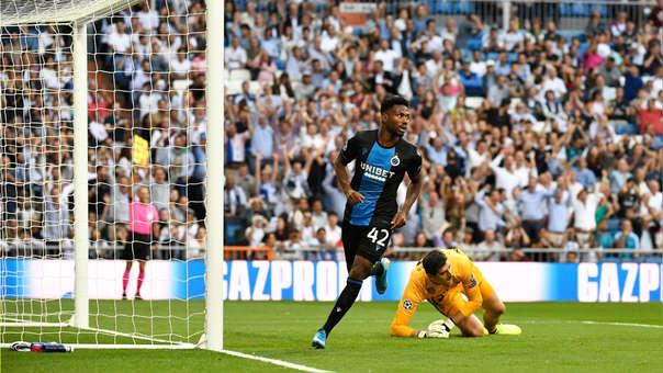 El gol que sufrió el Real Madrid: 'blooper' de delantero y revisión en el VAR