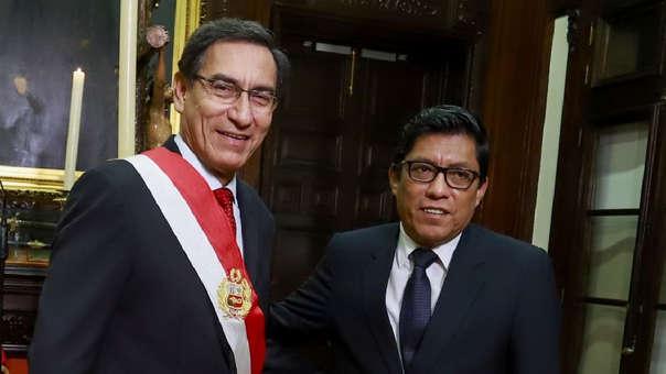 Martín Vizcarra tomó juramento a Vicente Zeballos como presidente del Consejo de Ministros este lunes.