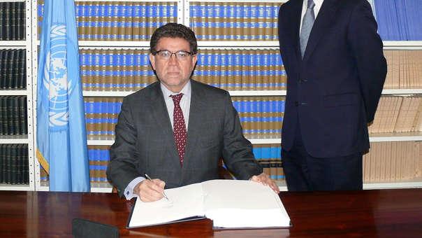 Gustavo Meza-Cuadra