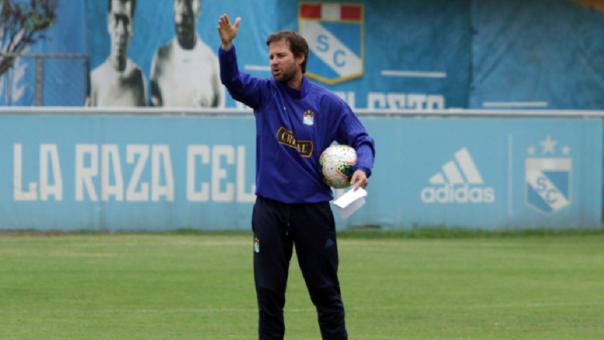Manuel Barreto disparó contra medida de la FPF sobre convocados a la Selección Peruana