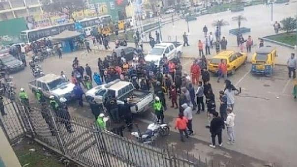 Protesta de mototaxistas en VMT