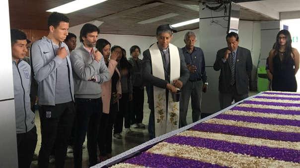 Alianza Lima hizo presentación oficial de turrones por el mes morado