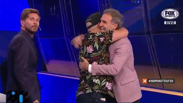 'Mago Plomo' sorprendió a Óscar Ruggeri y periodistas de Fox Sports con alucinante truco