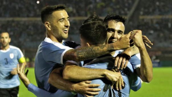 ¡Fuerte y esquinado! Brian Rodríguez abrió el marcador a favor de Uruguay en el estadio Centenario